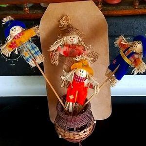Halloween Decor #6 12in pushins w/Wicker Vase